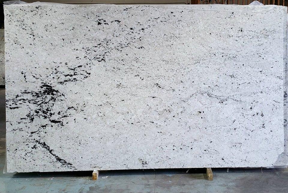 Granit Colonial White : color spotlight colonial white granite countertop warehouse ~ Frokenaadalensverden.com Haus und Dekorationen