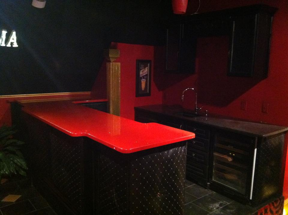 Custom Bartop with Viatera Lava Ice and Black Pearl