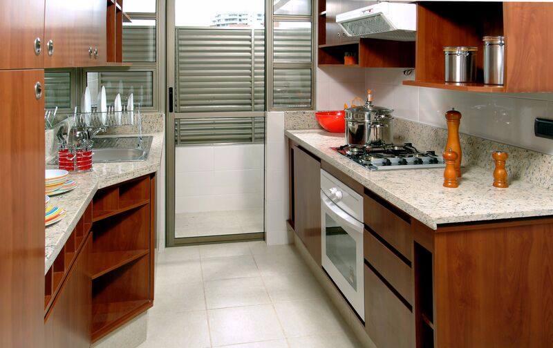 Medium Wood Kitchen