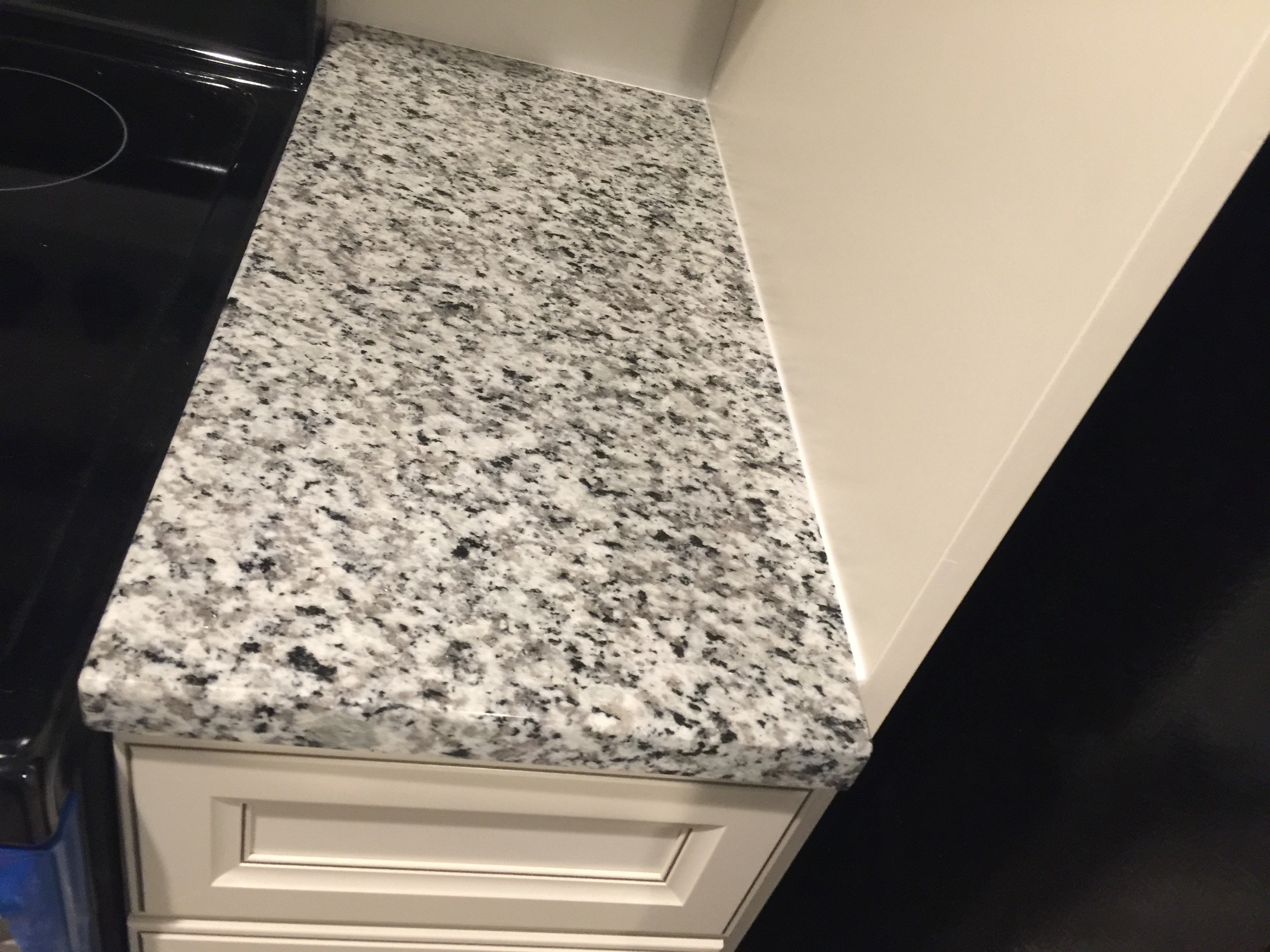 Bella White countertop