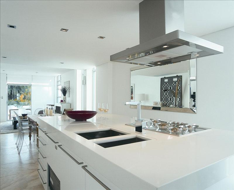 elegant and beautiful white quartz countertops